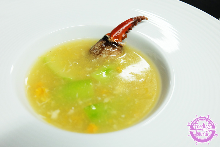14 Braised crab claw with dried scallop soup