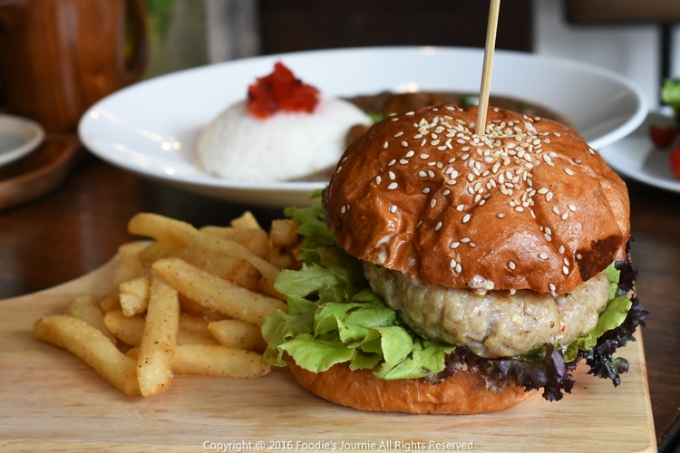 Cafe Kokotel 12-Spicy Pork Burger